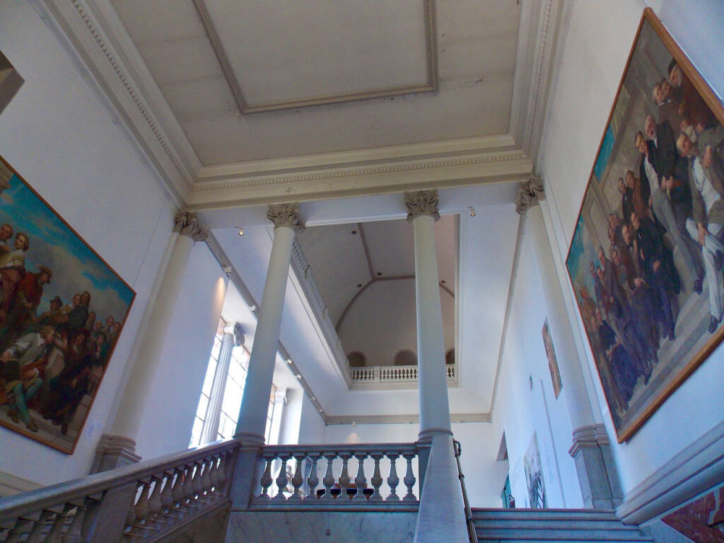 Musée des Beaux Arts à Nice (escaliers)