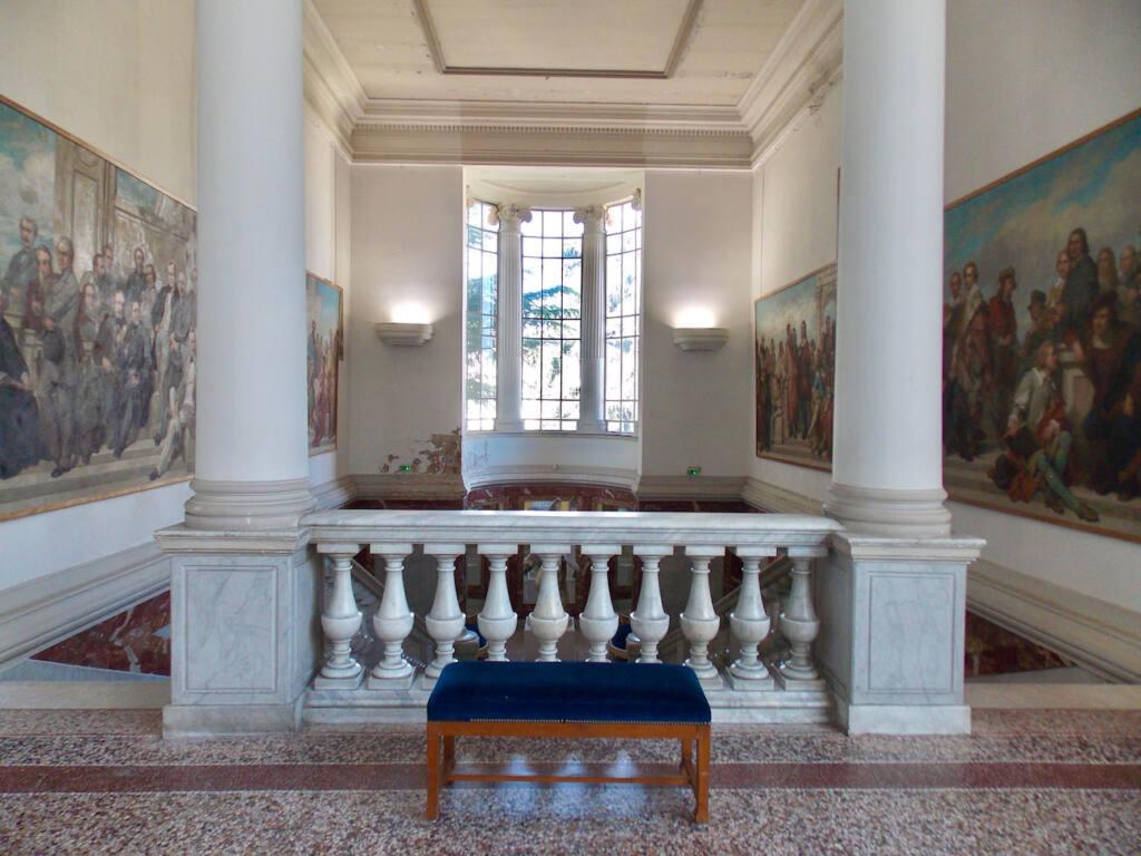 Musée des Beaux Arts à Nice (hall)
