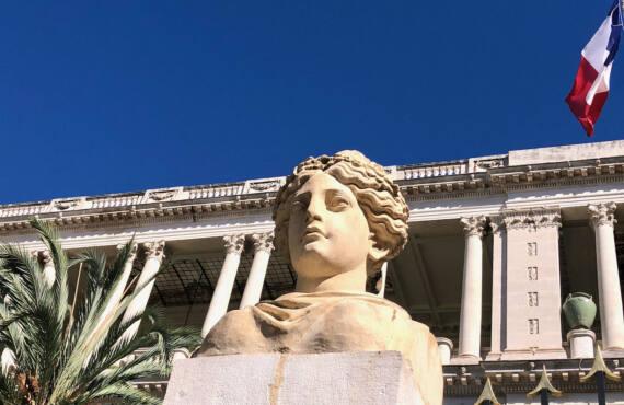 Palais des rois de Sardaigne, siège de la préfecture (tête)